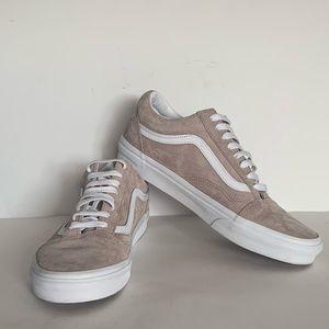 Vans Old Skool Suede Low Top Sneakers